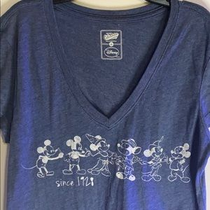 Disney old navy Mickey Mouse Collectibilitee Tee